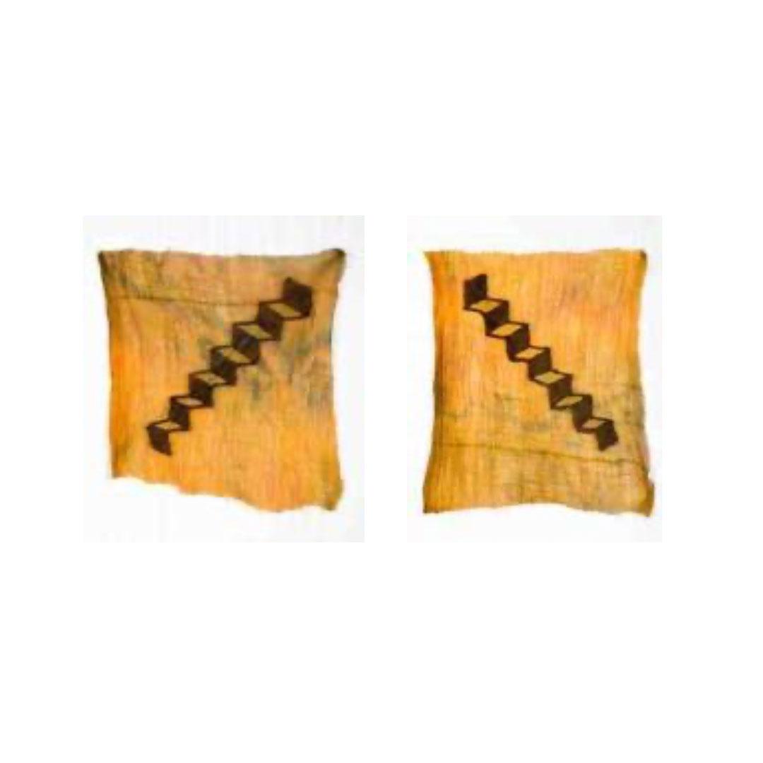 """Bienal serisi """"Yukarı Aşağı / Up & Down"""" Diptik/Dyptic Kumaş üzerine dikiş / Sewing on fabric 60 cm x 50 cm 2019"""